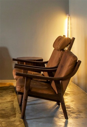 Hans J. Wegner Lounge Set (Armchair with headrest)